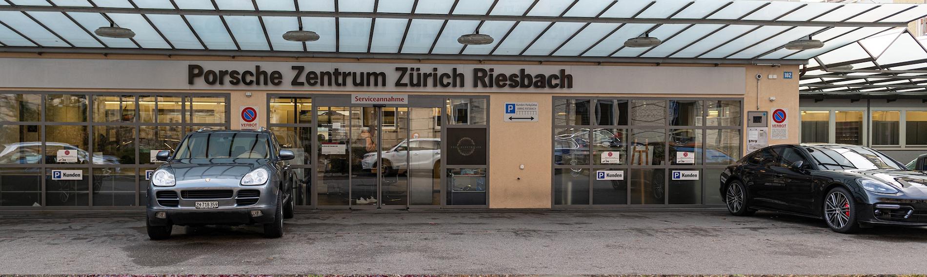 Cleaning at the Porsche Centre in Zurich (CH)